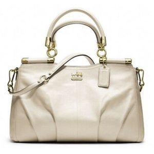 NWT Coach Madison Leather Carrie Handbag